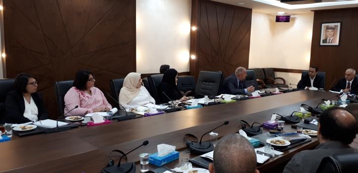 وفد عن إطارات و موظفي مجلس الأمة يزور مركز الدراسات و الأبحاث البرلمانية الأردني