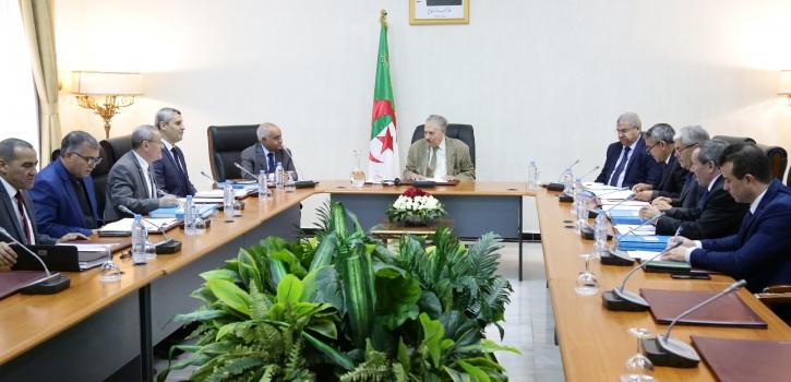 السيد صالح قوجيل يترأس إجتماعا لمكتب مجلس الأمة الموسع
