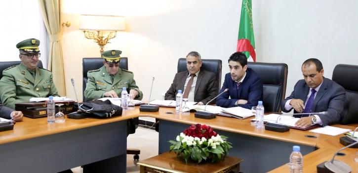 وزير العلاقات مع البرلمان يعرض مشروع القانون المتضمن القانون الأساسي العام للمستخدمين العسكريين