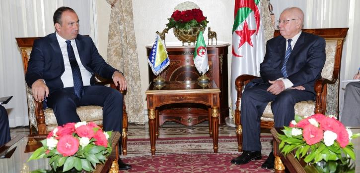 رئيس مجلس الأُمَّة يستقبل وزير الشؤون الخارجية بجمهورية البوسنة والهرسك