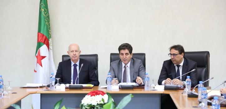 لجنة الشؤون الإقتصادية و المالية تستمع لعرض وزير المالية حول مشروع قانون المالية لـسنة 2019
