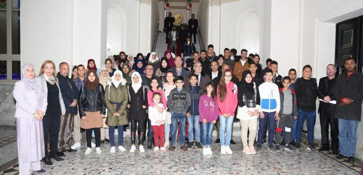 تلاميذ من المؤسسات التعليمية بالمدية في زيارة للمجلس