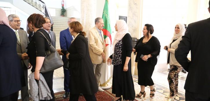رئيس مجلس الأمة بالنيابة يتبادل التهاني بمناسبة عيد الفطر مع أعضاء، إطارات و موظفي و عمال المجلس