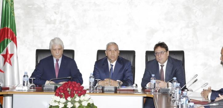 لجنة الشؤون القانونية والإدارية  تستمع إلى عرض وزير العدل حافظ الأختام
