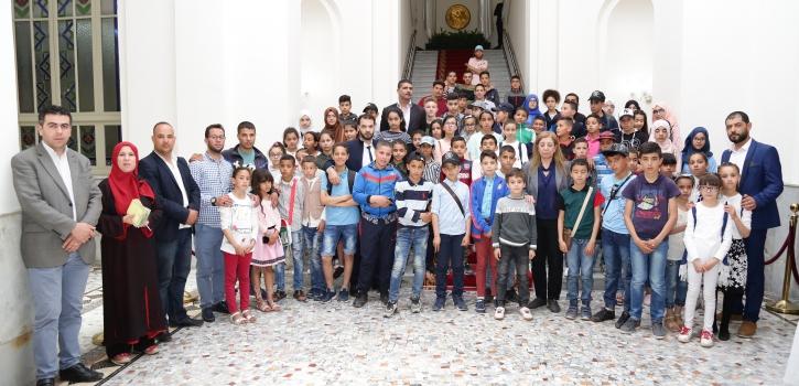 فوج من تلاميذ عين بوسيف في زيارة للمجلس
