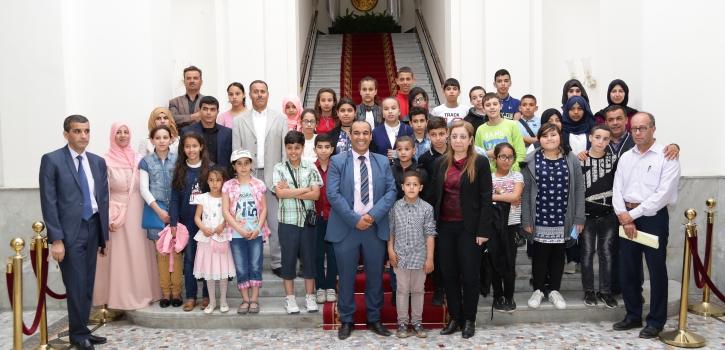 تلاميذ متوسطة عبد القادر بوفضة في زيارة للمجلس